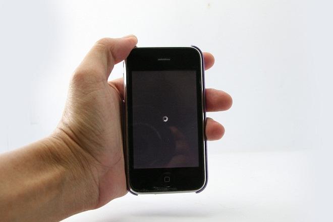 Телефон выключается сам по себе
